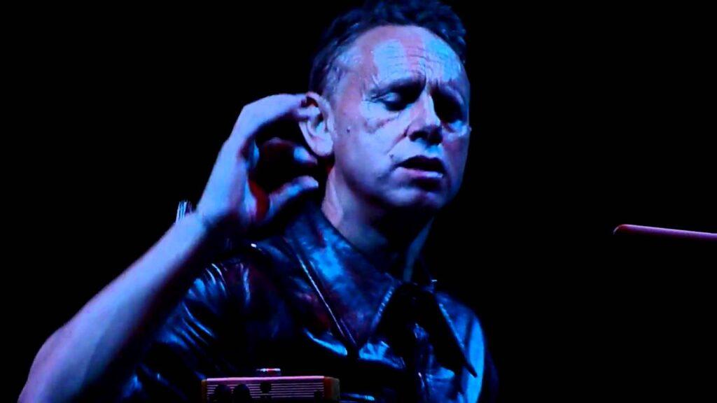Martin Gore de Depeche Mode anuncia su nuevo EP con 'Mandril'