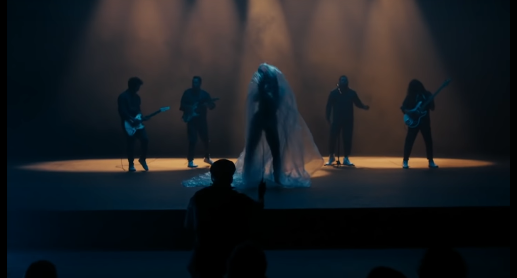 Porter comparte nuevo sencillo: 'Sonámbulo'